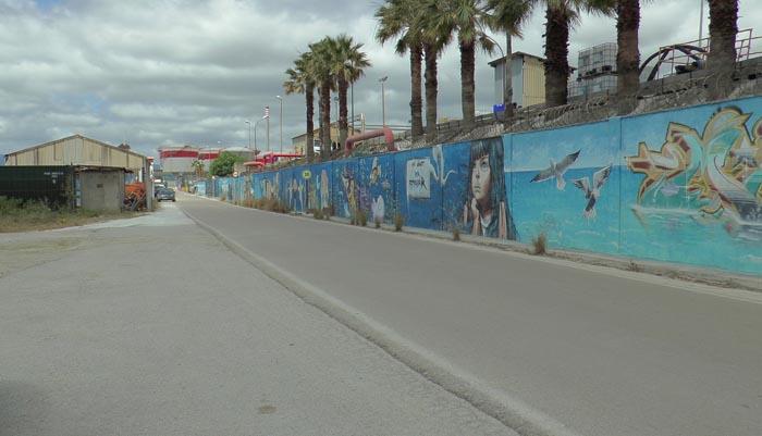 Carretera por la que discurrirá el carril bici entre Guadarranque y Puente Mayorga