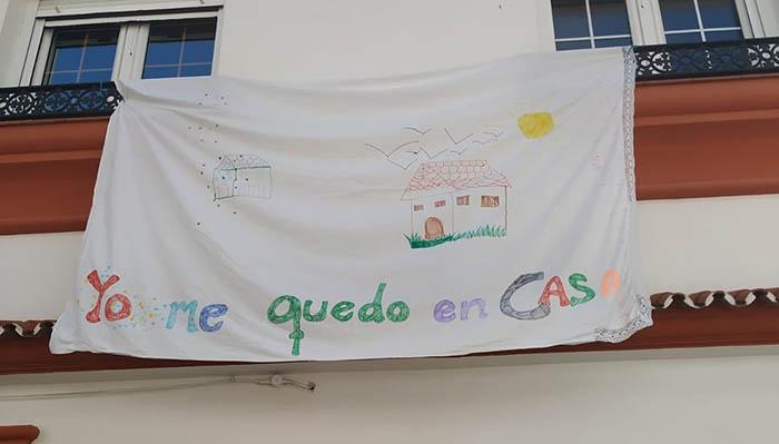 Pancarta infantil colocada en San Roque