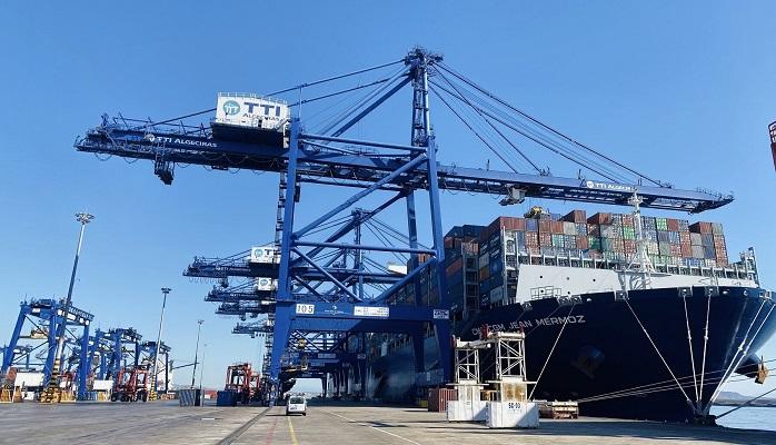 Las terminales del Puerto de Algeciras superan el centenar de megaships