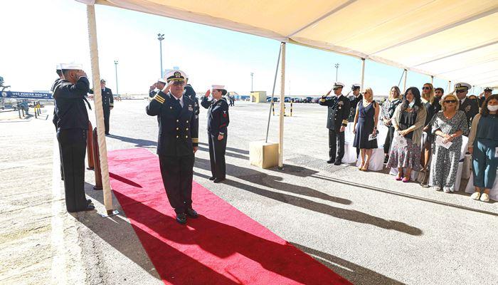 El comandante Ralston, a su llegada al acto de relevo de mando del 'USS Porter'. Foto US Navy/Katie Cox