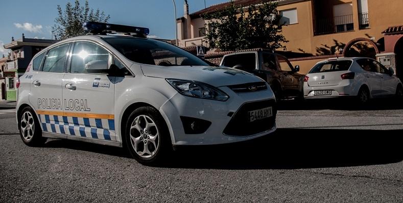 La Policía Local acudió al lugar de los hechos, en la calle Padre Pandelo