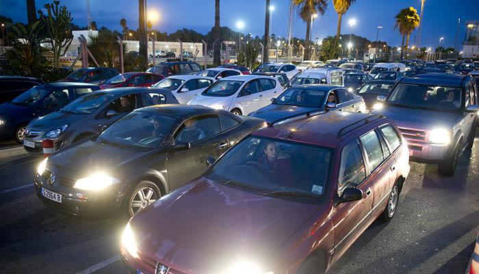 Imagen de archivo de colas de vehículos para salir de Gibraltar
