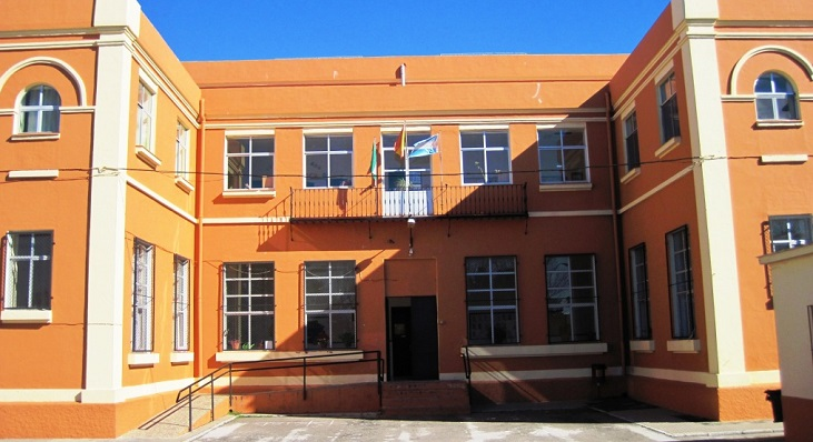 Uno de los edificios del CEIP Inmaculada Concepción de La Línea