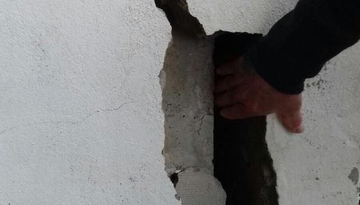 Una grieta en el edificio, en imagen aportada por CCOO