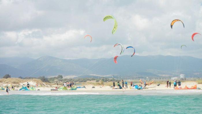 Los ecologistas denuncian la práctica del kitesurf en zona protegida