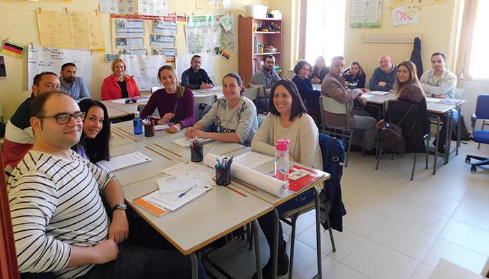 Los participantes en la lanzadera de San Roque buscan un puesto en el mercado laboral