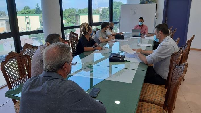 Imagen de la Comisión Informativa celebrada en el Ayuntamiento