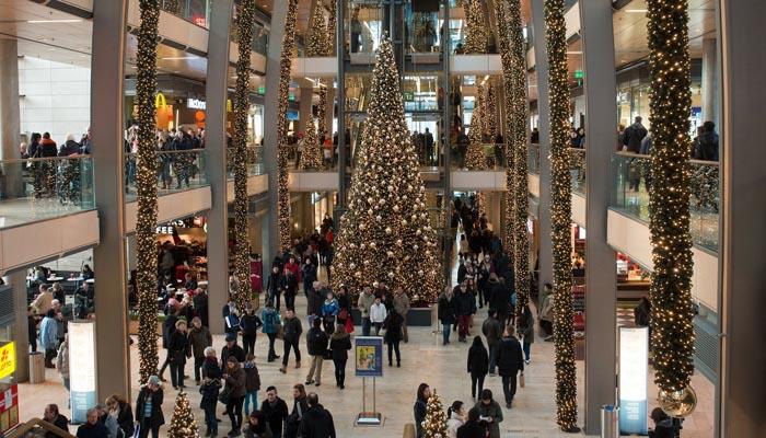 Un centro comercial en plena campaña de Navidad