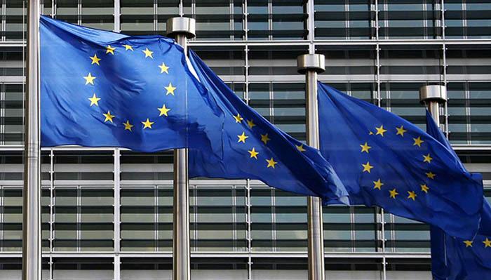 Banderas de la Unión Europea en su sede de Bruselas
