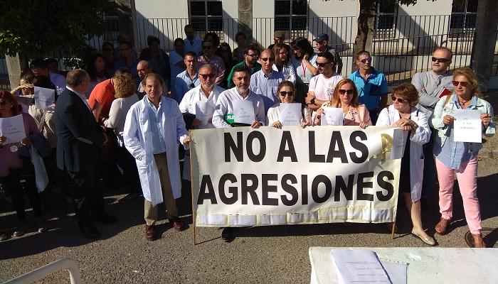 Imagen de archivo de una protesta por agresiones en centros sanitarios