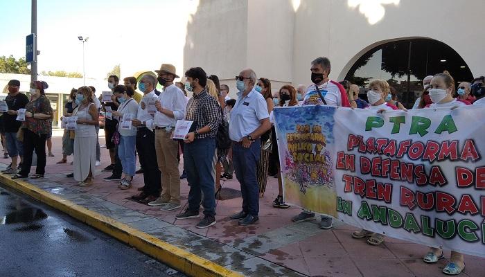 La Plataforma por el Ferrocarril traslada sus demandas a Unidas Podemos