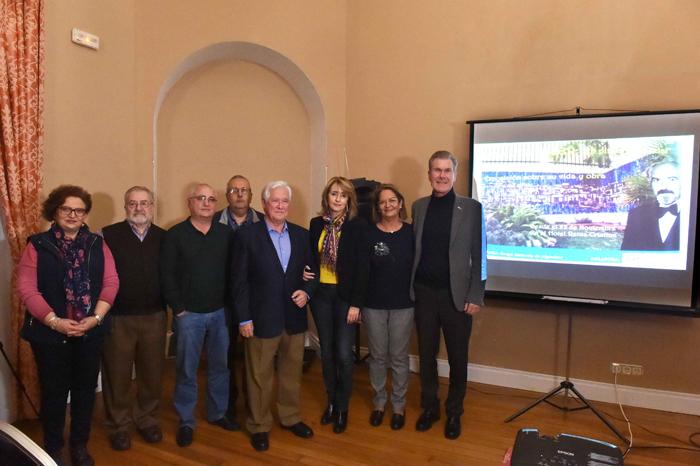 Ivo Siesser con las delegadas del Ayuntamiento, López Canales y miembros de Memoria de Algeciras