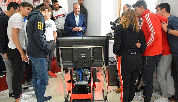 Ruiz Boix ha visitado las instalaciones donde se desarrollaba la jornada