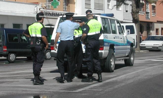 Varios agentes de la Policía Local de La Línea, en una imagen de archivo