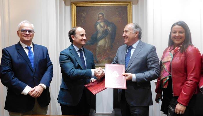 Gerardo y José Ignacio Landaluce tras la firma del convenio