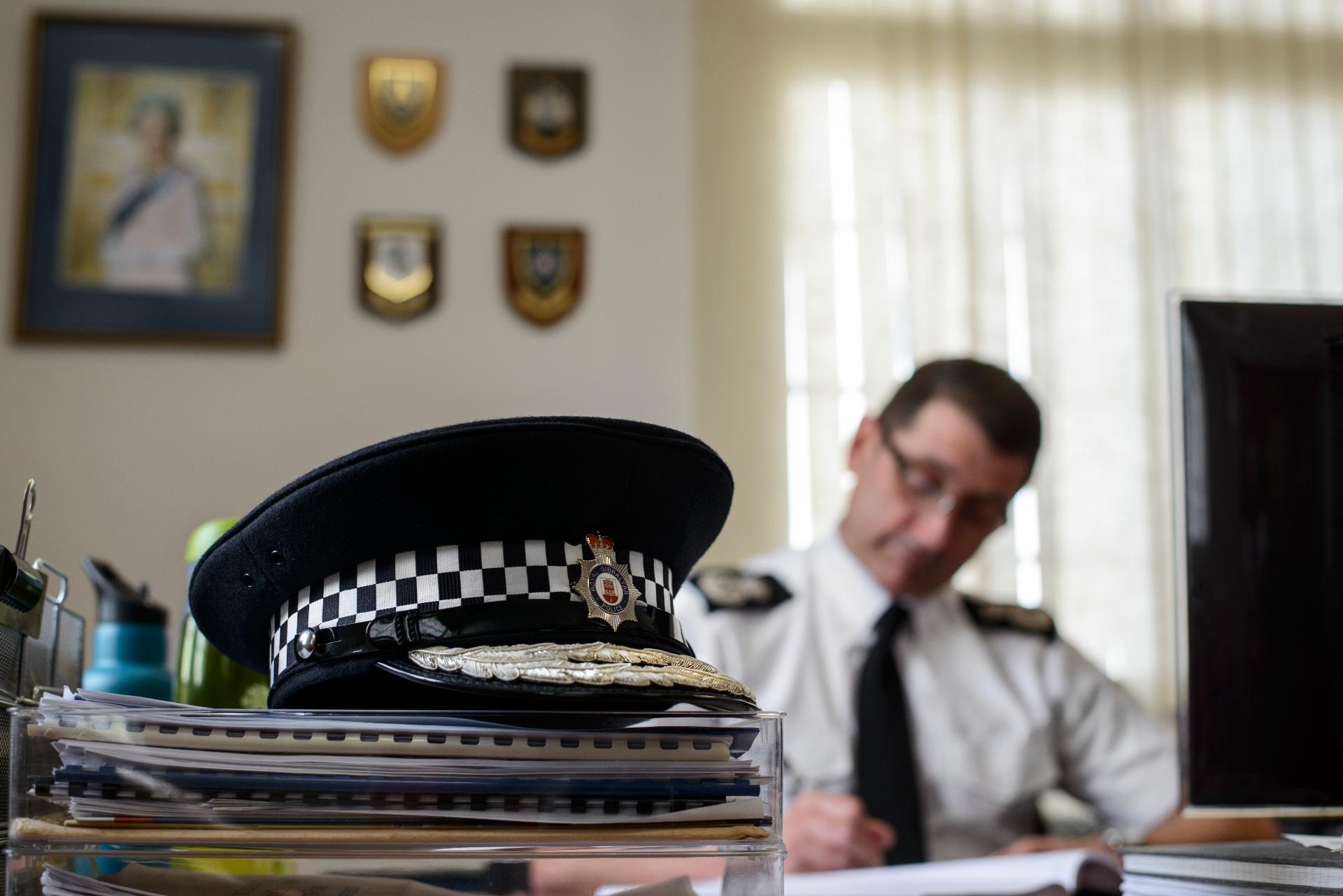 Mando de la RGP en su despacho. Foto NG