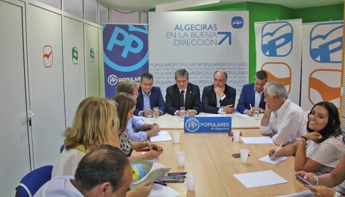 Ignacio Cosidó en Algeciras junto al alcalde, José Ignacio Landaluce, y José Ortiz