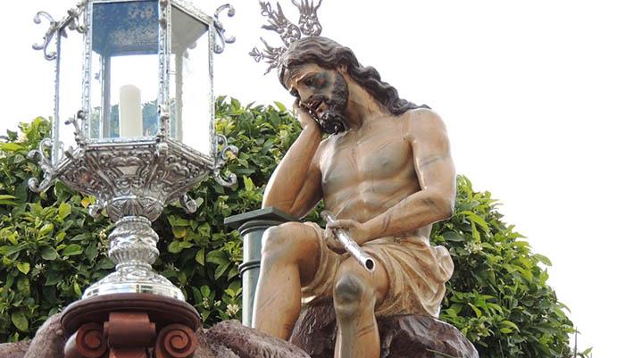 La imagen del Cristo de la Caña en procesión durante  la Semana Santa de San Roque. Foto: Multimedia