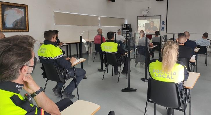 Un momento del curso de la Policía Local. Foto: NG