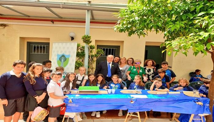 El alcalde, con los niños en Diverciencia