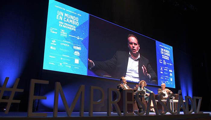 Daniel Lacalle y Miguel Sebastián, en la Convención de la CEC. Foto Cata Zambrano