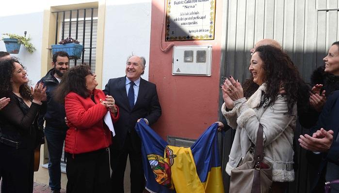 Algeciras rinde homenaje a Nena Calderón con una placa en San Isidro