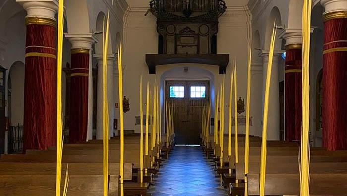Domingo de Ramos sin feligreses en Santa María la Coronada