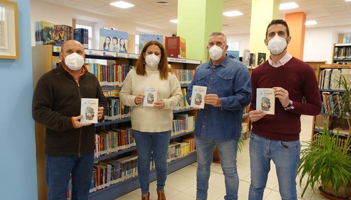 Alfredo Valencia, segundo por la derecha, ha cedido ejemplares de Al Candil
