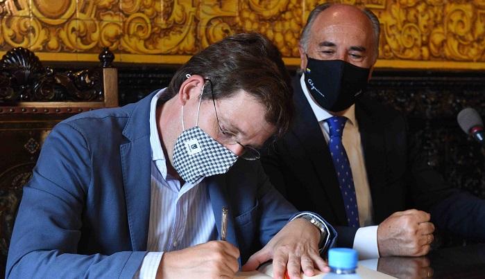 El alcalde de Madrid visita oficialmente el Ayuntamiento de Algeciras