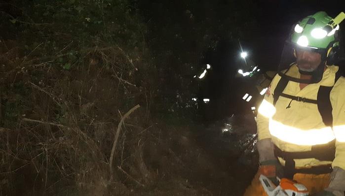 Medios aéreos se reincorporan para combatir el incendio de Algeciras