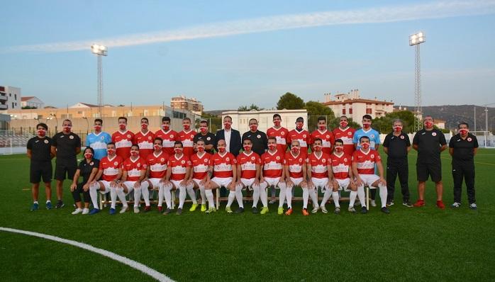 El CD San Roque se realiza la foto oficial para la temporada 20/21