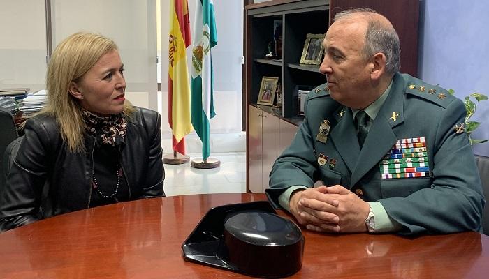 Eva Pajares alaba la gestión del coronel Núñez al frente de la Guardia Civil