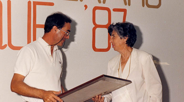 Elvira Castilla en su etapa de concejala junto al entonces alcalde Eduardo López