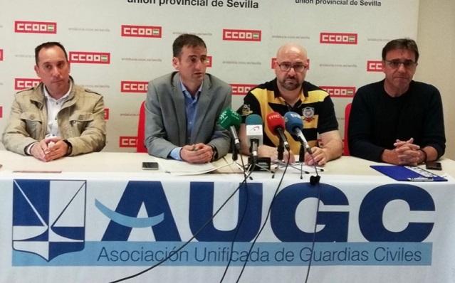 José Encinas y otros miembros sindicales en una imagen de archivo