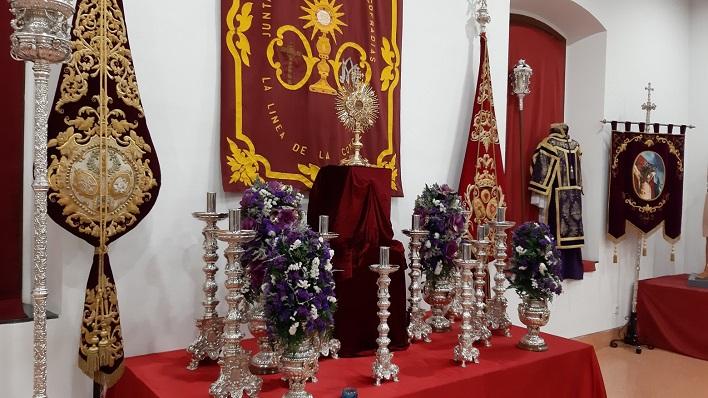 Una imagen de la exposición de enseres de Semana Santa. Foto: lalínea.es