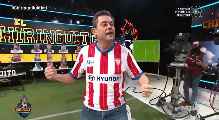 Tomás Roncero luce la camiseta del Algeciras en El Chiringuito de Jugones