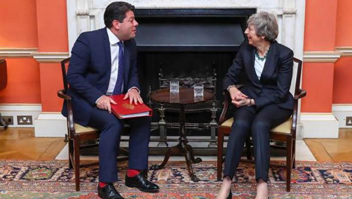 Fabian Picardo y Theresa May
