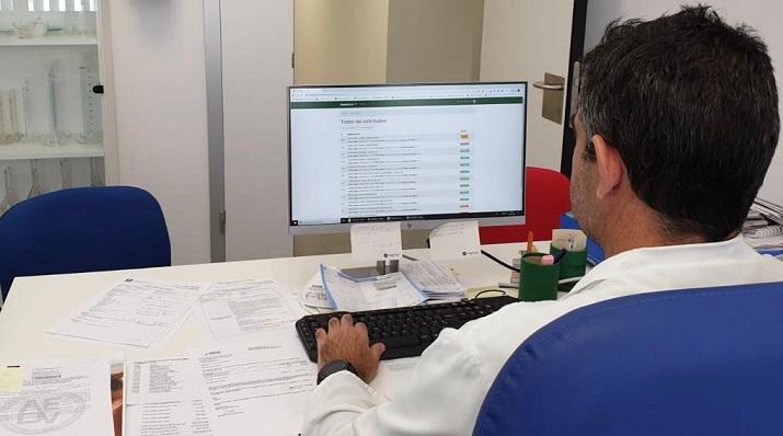 La iniciativa la está llevando a cabo la Unidad de Farmacia del hospital de La Línea