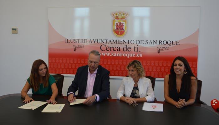 Un momento de la firma del convenio entre Aires y el Ayuntamiento de San Roque
