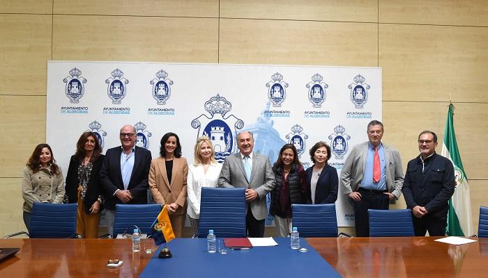 Firmado el convenio para el desarrollo del polígono Cortijo Real