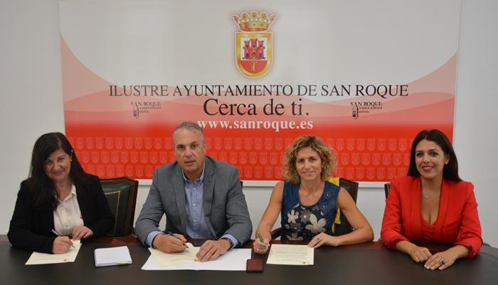 Firma del convenio entre el Ayuntamiento de San Roque y la UNED