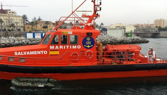 Rescatada una patera con 136 migrantes en aguas del Estrecho