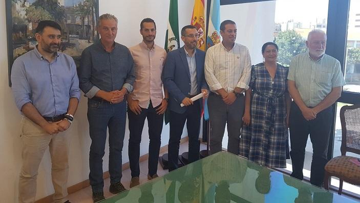 Juan Franco y los seis nuevos tenientes de alcalde de La Línea