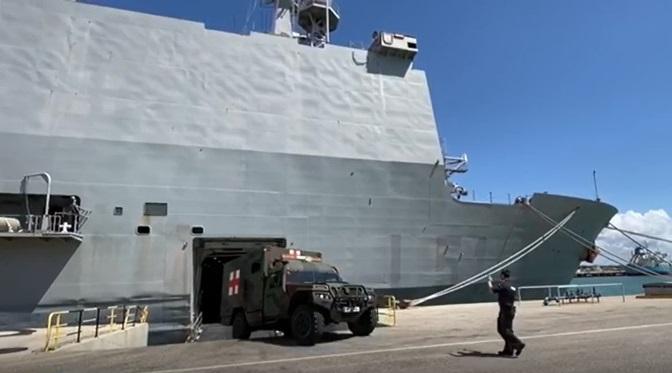 El BAA 'Galicia' alistándose para zarpar de su base, en Rota, el pasado día 1. Foto Armada