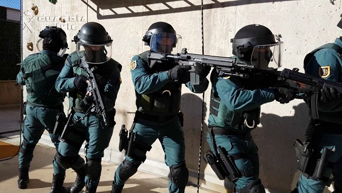 Agentes de la Guardia Civil adscritos al Grupo de Acción Rápida