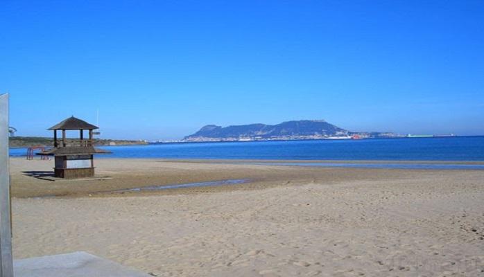 Las playas en Algeciras, de 12.00 a 20.00, divididas y con control de aforo