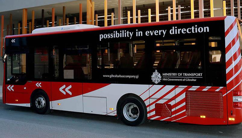 Uno de los vehículos de la Gibraltar Bus Company