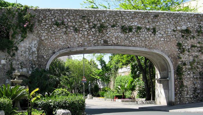 Southport Gates