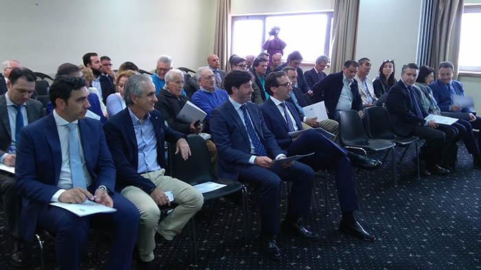 """Grupo empresarial """"La Línea Empresa"""", reunidos hoy para su constitución"""