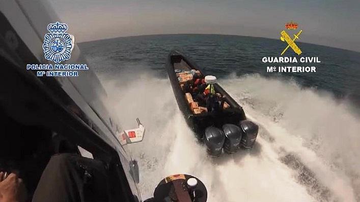 Una persecución en alta mar, a una narcolancha